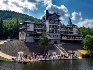 Axxos Resort – Retro Riverside ***** Luxury Wellness