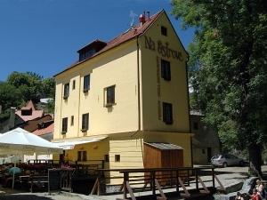 Penzion - Gril Restaurant Na Ostrově